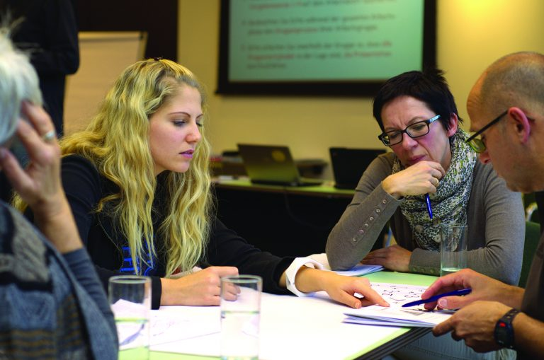 Home HVK HSE Begeleiden coachen samenwerken incompany